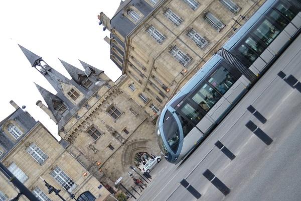 Bordeaux street scene